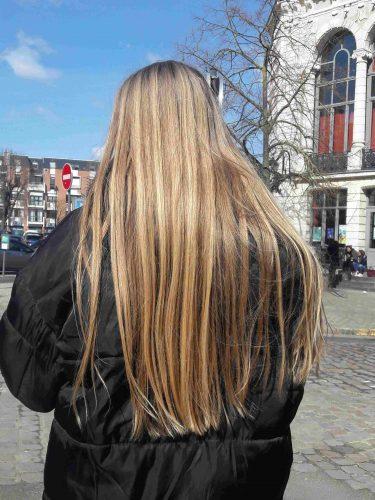 Cheveux blonds vierges