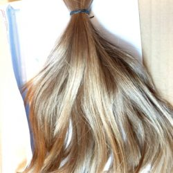 cheveux blonds / longs (31cm) / doux